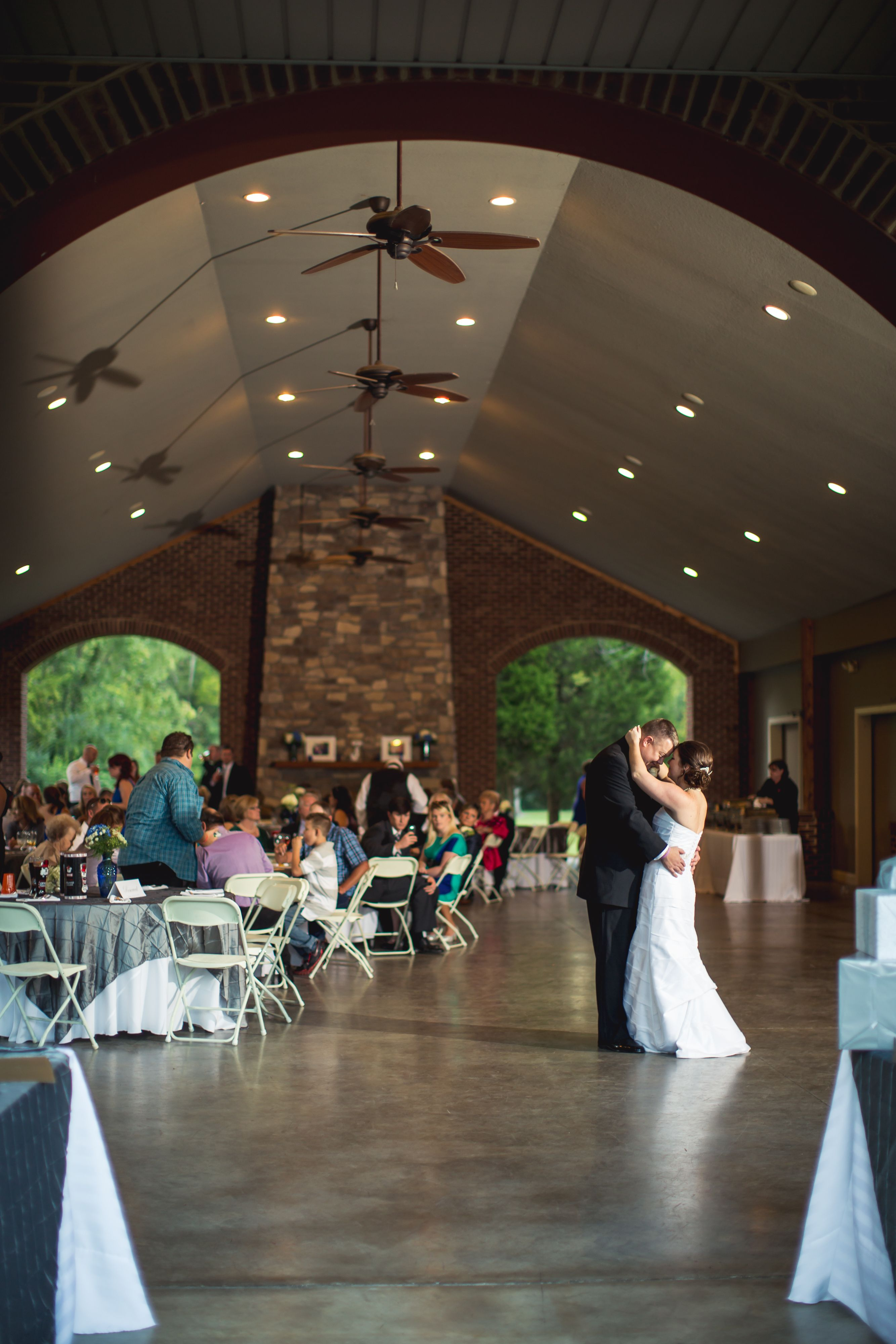 Outdoor Reception At Smithview Pavilion Maryville Tn Photo By