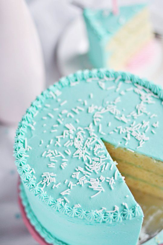 Classic Vanilla Birthday Cake via Sweetapolita Yummy Treats