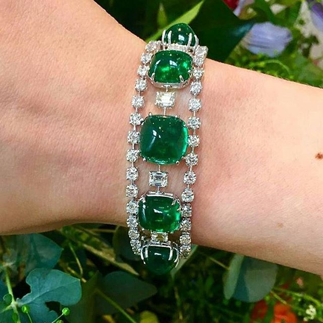 #RepostSave @treasuregarland with @repostsaveapp · · · Fabulous emerald and diamond bracelet, at @sothebys!! Coming for London auction on 22nd March... #antiquejewellery #lovegoldlive #colors #finejewelry #lovegold #jewelry #jewellery #love #gold #antiquejewelry #vintagejewelry #emerald #instadaily #sothebysjewels #tags4likes #diamond #sothebys #london #auction #bracelet #inspiration #follow