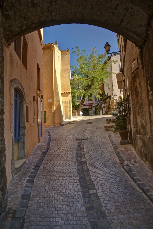 Enter The Village Of Castellet Aisne Favorite Places France
