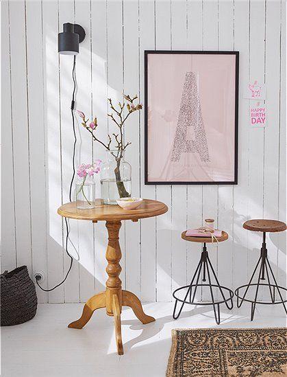 Kleiner, runder Tisch mit gedrechseltem Fuß In drei Farben - kleiner tisch k che