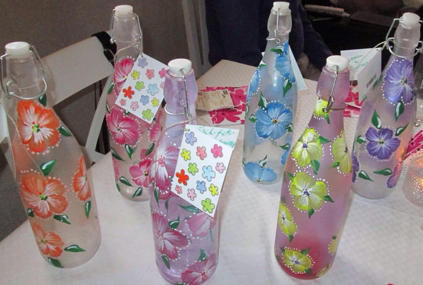Onestroke flowers on bottles