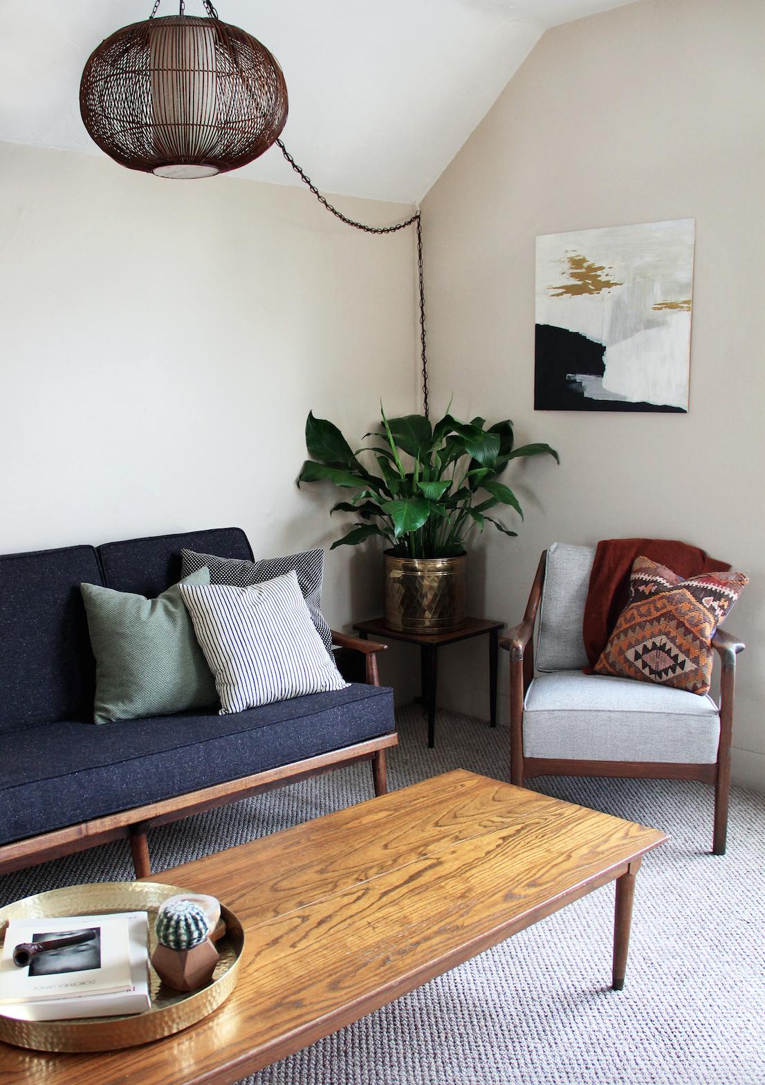 A mid century modern, boho inspired apartment living room ...