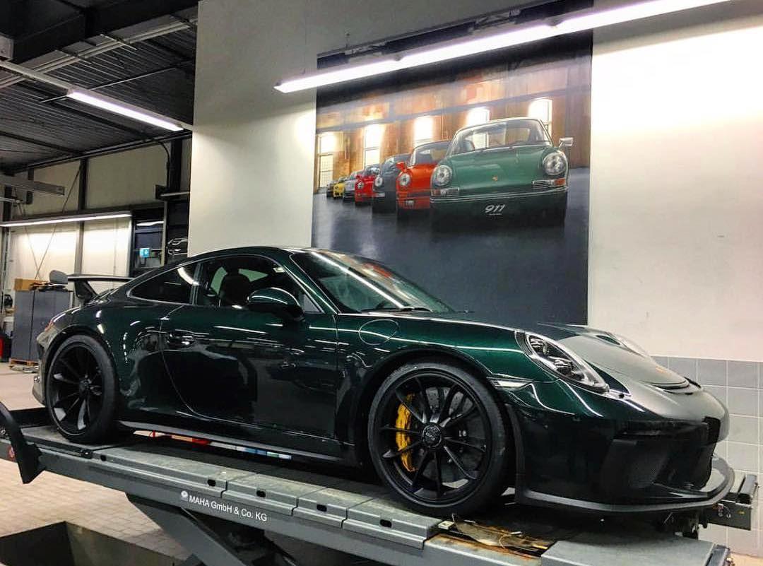 Evil Looking Porsche 911r With Images Porsche Sports Car Porsche Black Porsche