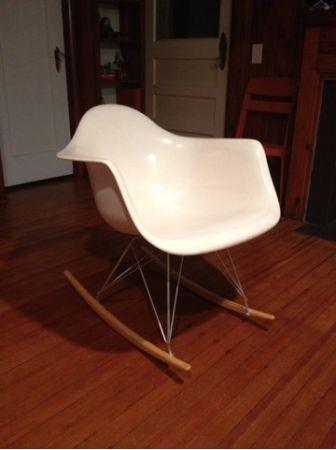 Eames fiberglass shell rocker by Modernica - $200 in ...