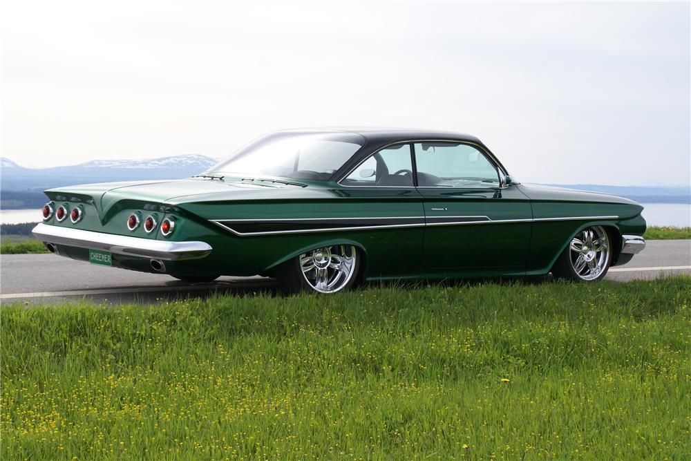 1961 CHEVROLET IMPALA CUSTOM 2 DOOR HARDTOP