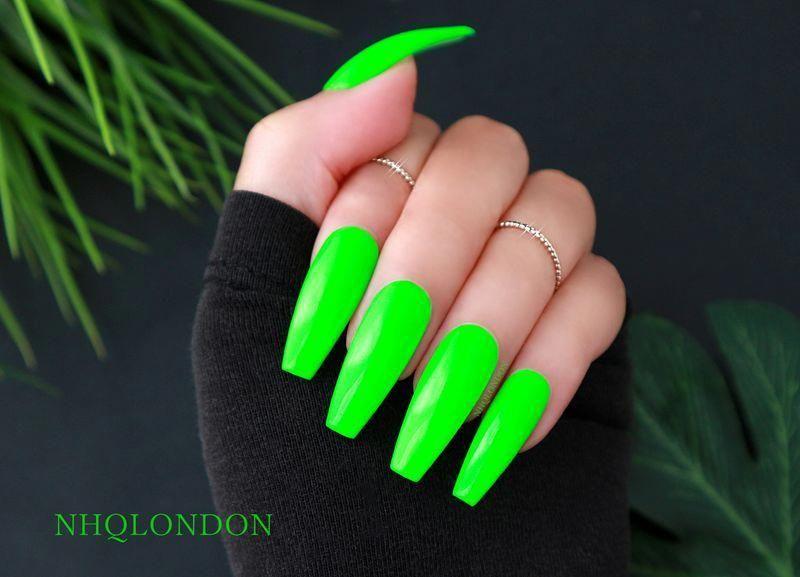 Installation Of Acrylic Or Gel Nails Unhas Multicoloridas Unhas