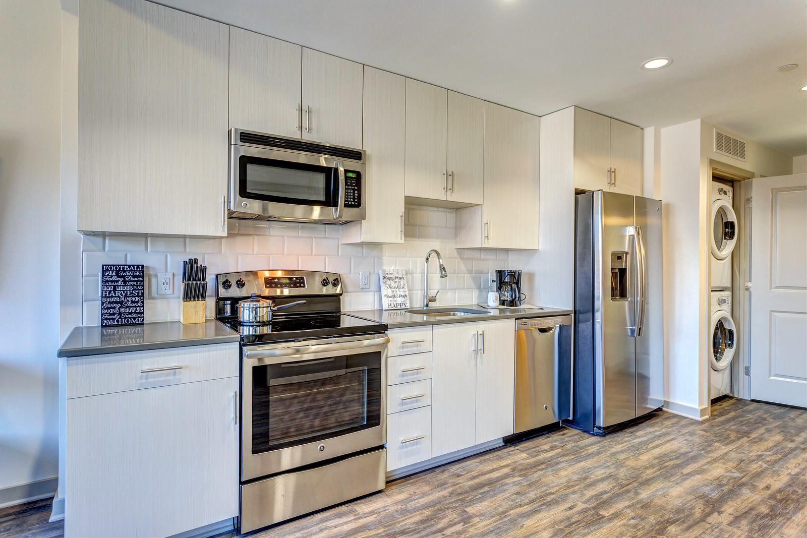 Luxurious studio apartment home in Nashville, TN
