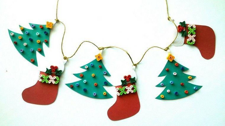 Lavoretti Di Natale Ghirlande Per Bambini.Lavoretti Di Natale Per Bambini Ghirlanda Con Ornamenti Tipo Albero