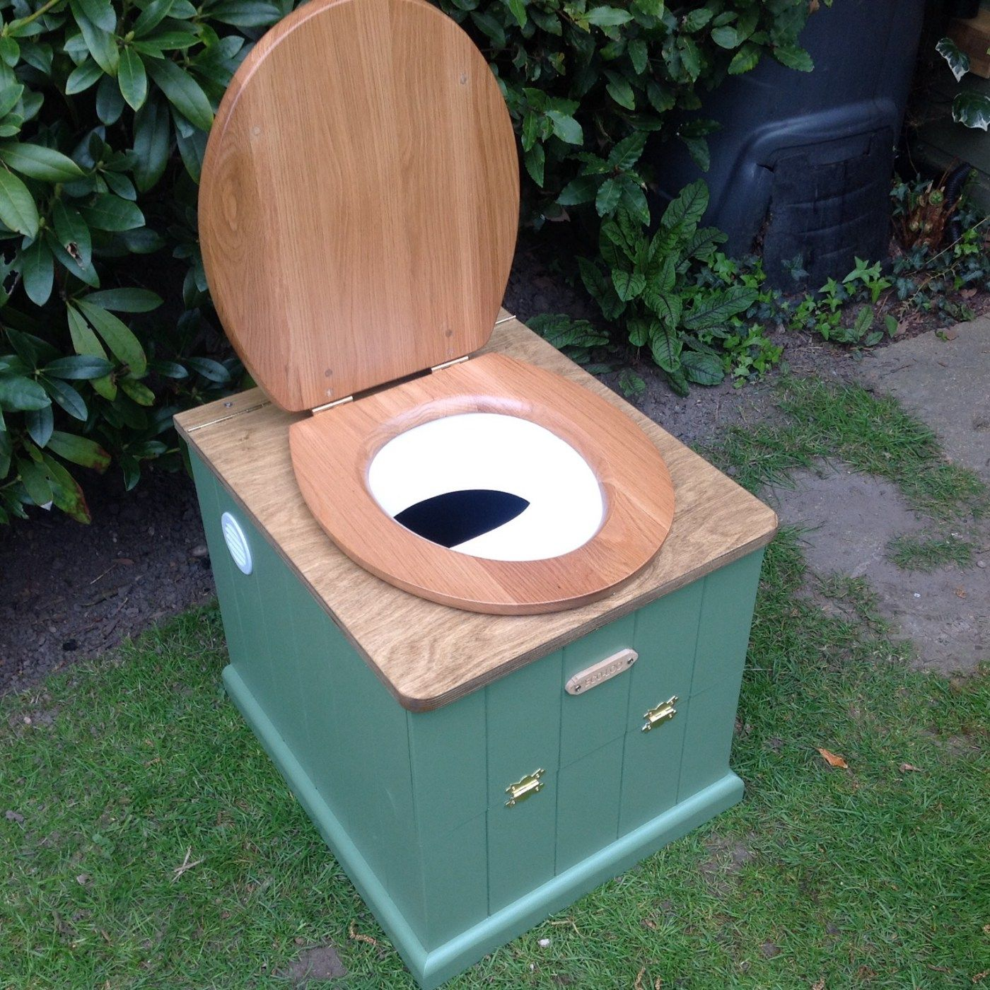 I like this compost toilet design the best | RV dreamin | Pinterest ...