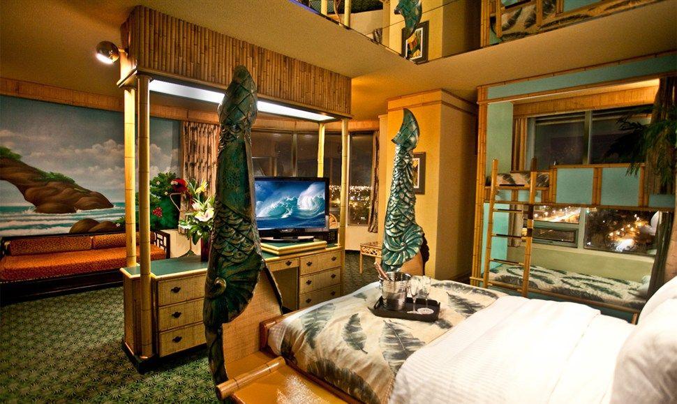 Polynesian Luxury Family Theme Fantasyland Hotel, West