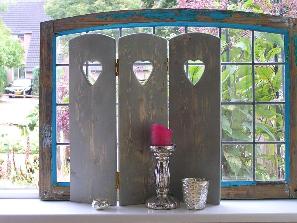 3 luik rien in het grijs met hartjes raamschermen for Decoratie voor de raam
