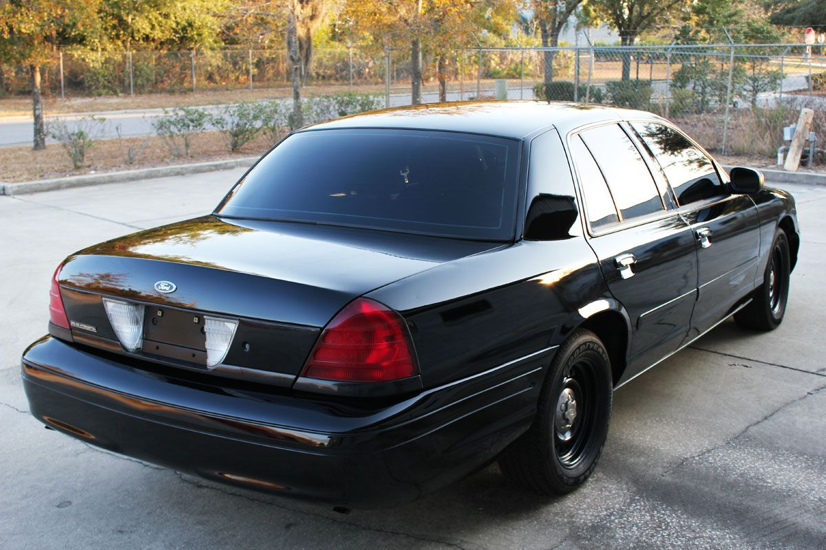 2001 ford crown victoria p71 black