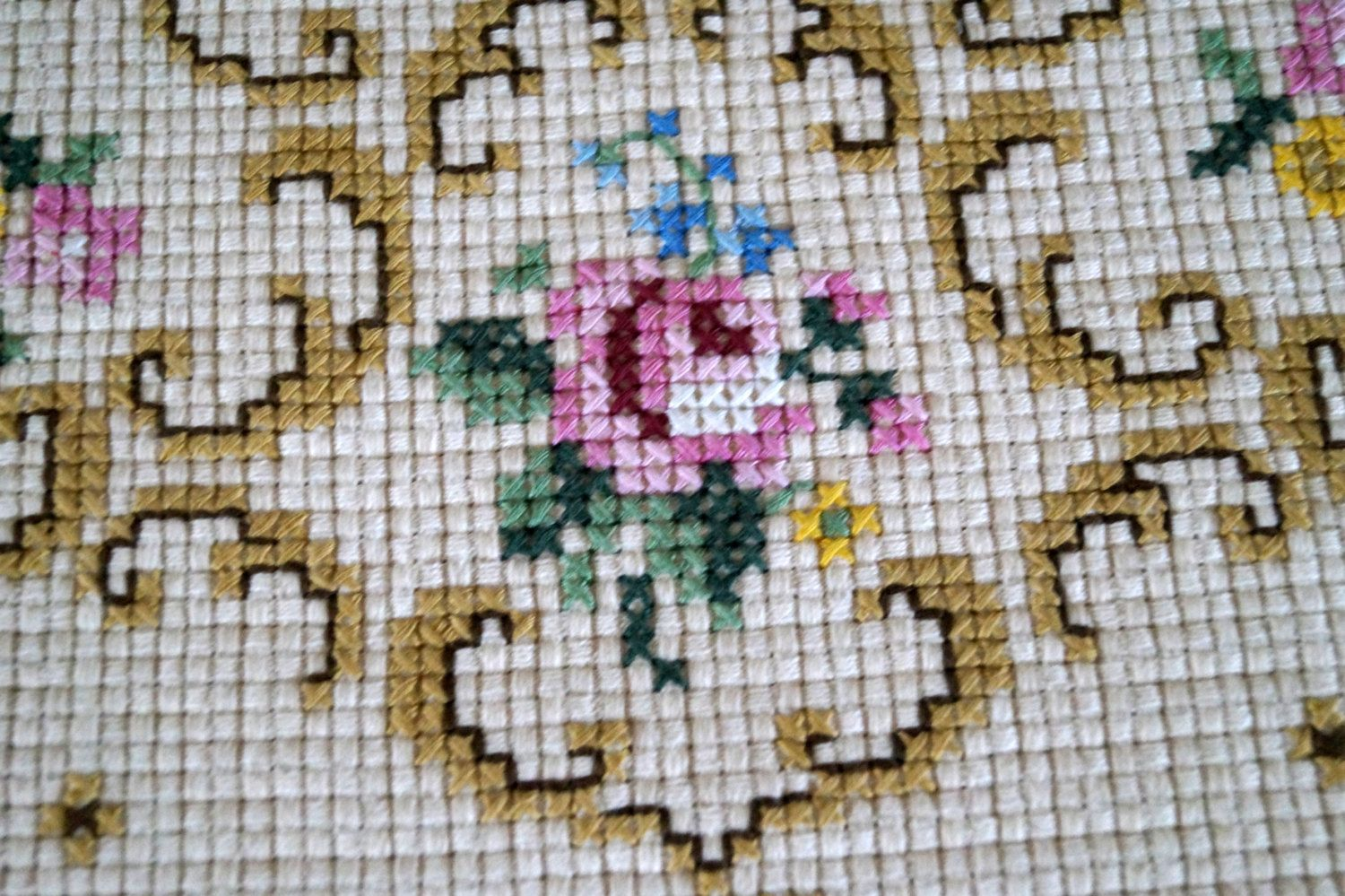 Tapestry table doily hand embroidered table cloth by vintagdesign