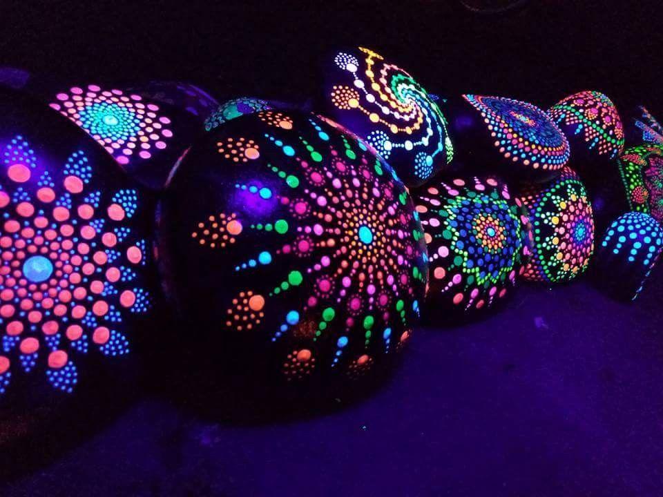 Paint Black Then Acrylic Neon Glow In Dark Paint Glow Rock Painted Garden Rocks