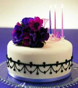 http://www.lvcc.co.uk/birthday-cakes-detail.asp?cakeid=103
