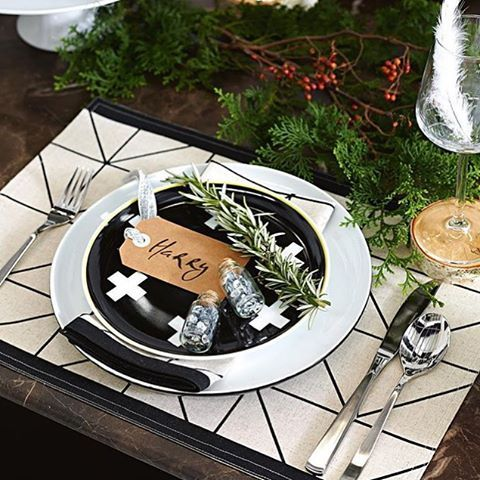 Thanks for the great pic featuring our Kami placemat and napkin, and our Crosses side plate, @domayne_australia
