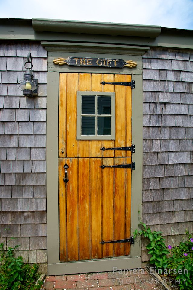 Classic wood door on Nantucket | Nantucket cottage ...