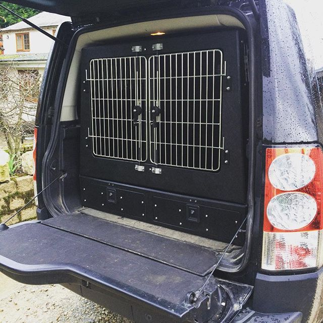 Landrover Discovery 4 Combination Dog Transit Box And Vehicle