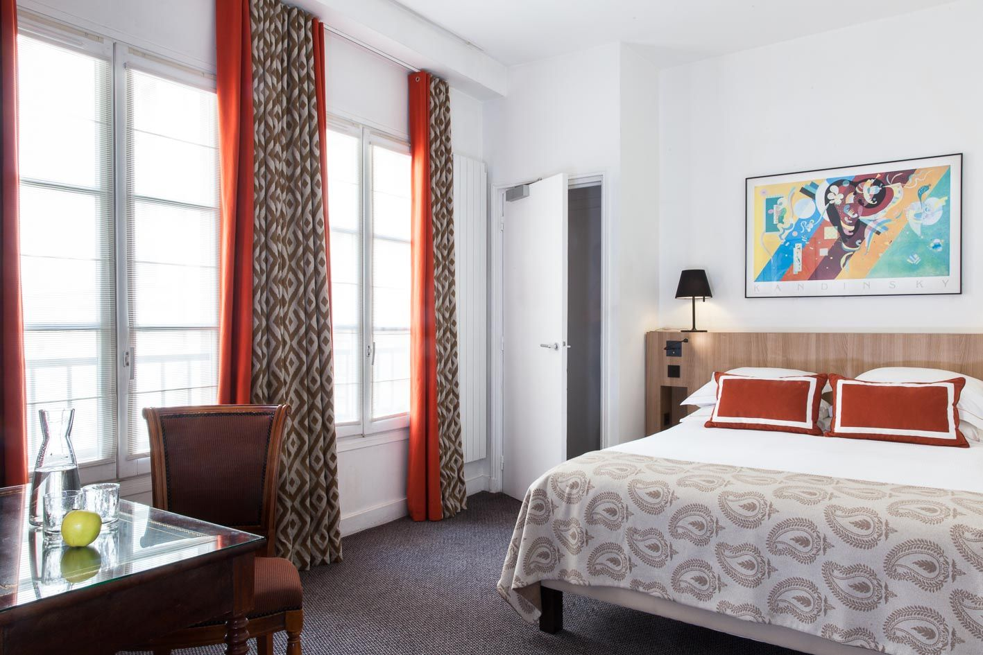 The Rooms That Welcome You At The Hotel Brighton Hotel De La Place Du Louvre Paris Hotel Place Brighton Hotels Louvre Paris