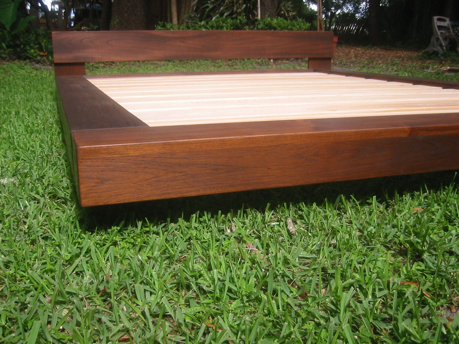 Diy outdoor platform bed teak or alder wood beach Wood platform bed