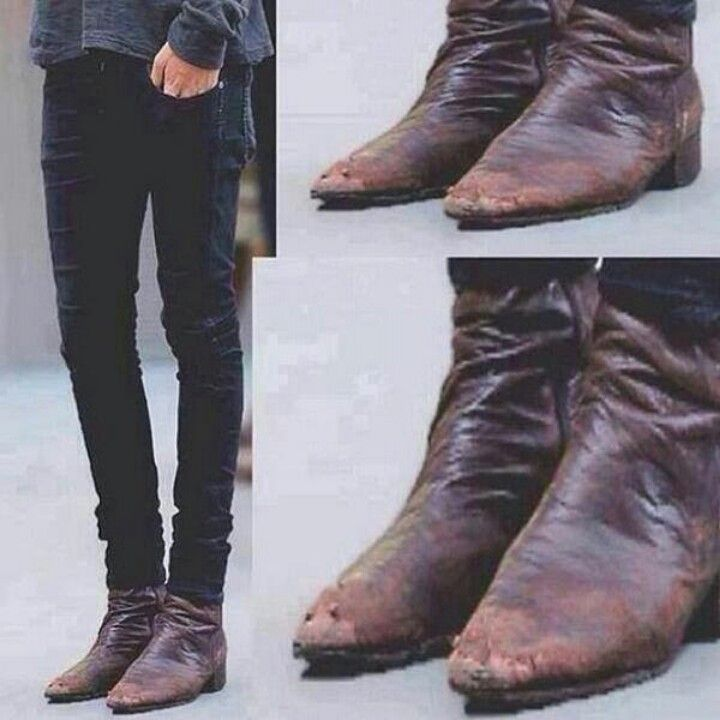 This Proves Fame Did Not In Fact Change The One And Only Harry Styles Harry Styles Boots Boots Old Boots