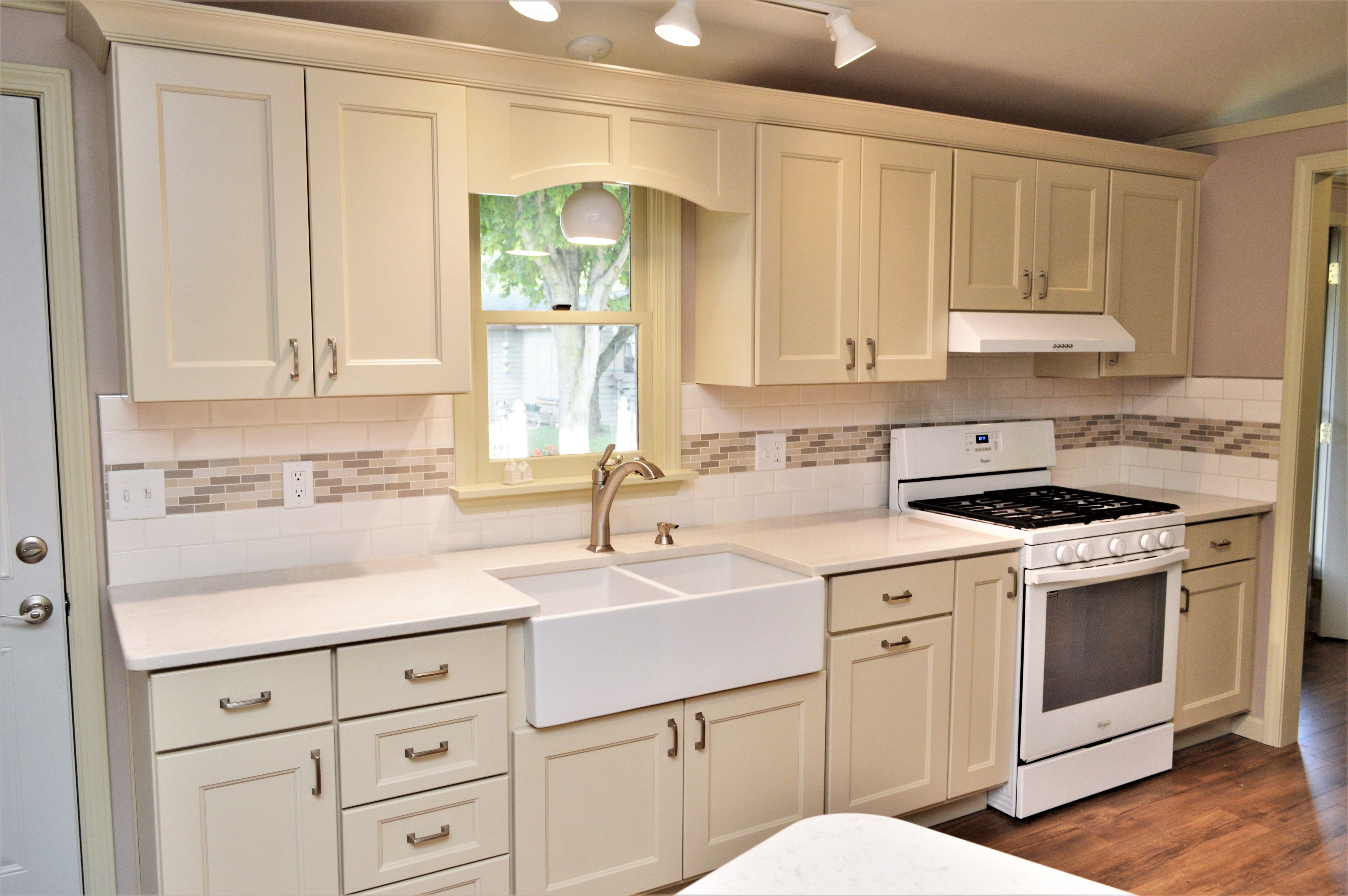 Haas Signature Collection Maple Cocoa Creamy Finish Tudor Door Style Maple Cabinets Kitchen Cabinetry