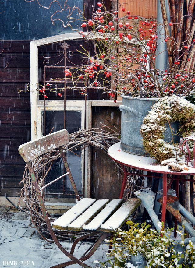 Weihnachtsdekoration, Außendekoration im Winter, Winterzeit, Winterzauber, Winter