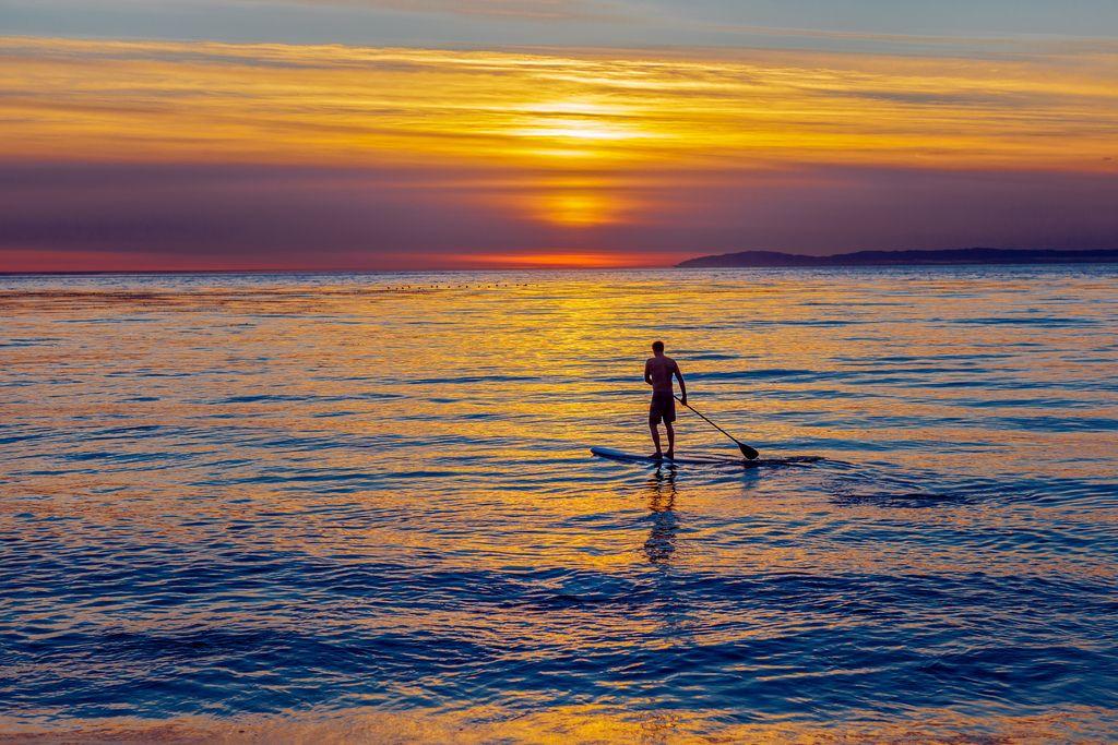 Stand Up Paddleboard in Laguna Beach, CA - http://paddleboardsreviews.com/stand-up-paddleboard-in-laguna-beach-ca/