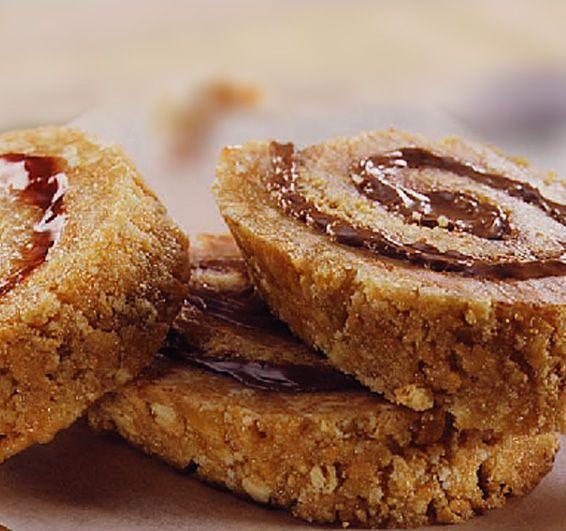 Ρολά με μπισκότα Πτι Μπερ, με 3 μόνο υλικά έτοιμο σε 20 λεπτά για το ψυγείο. Μια συνταγή για ένα πανεύκολο, οικονομικό (κοστίζει λιγότερο από 5 ευρώ) και