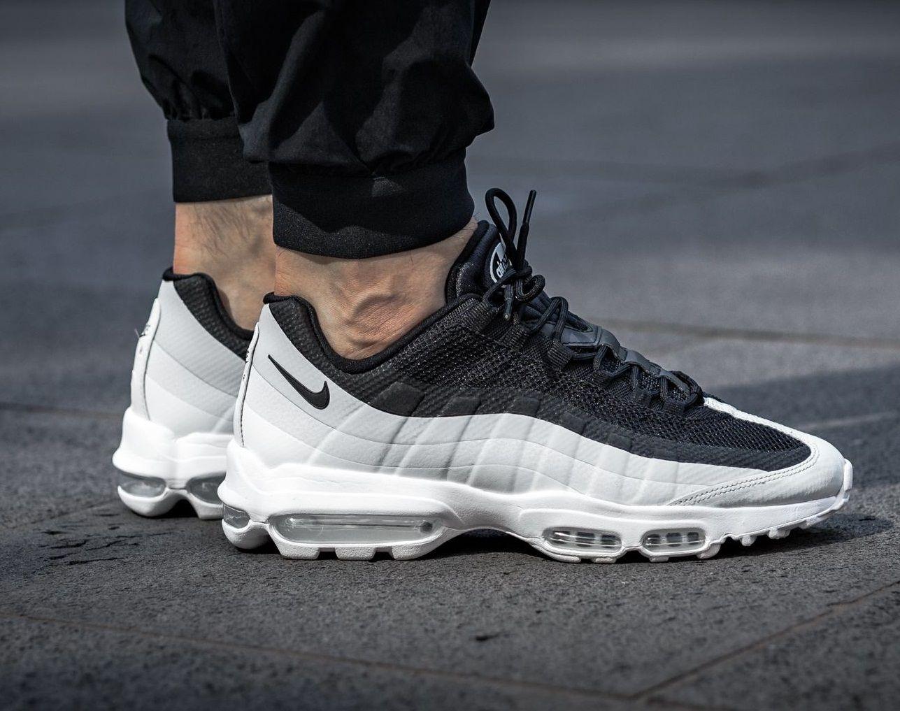 Nike Air Max 95 Ultra Essential chaussures blackwhite