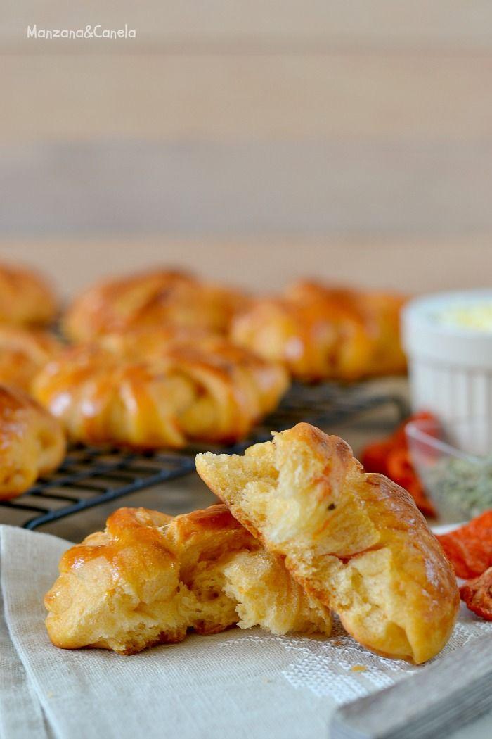 Caracolas saladas de tomates secos y queso