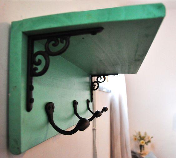 Ideas para hacer percheros reciclados 19 for Como hacer un perchero de pared