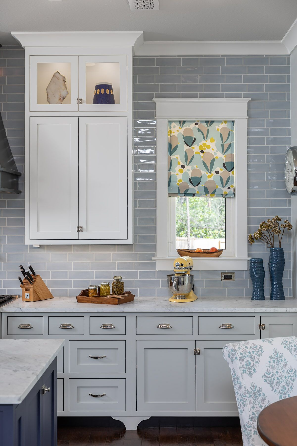 Classic Style In This Modern Farmhouse In 2019 Kitchen Design