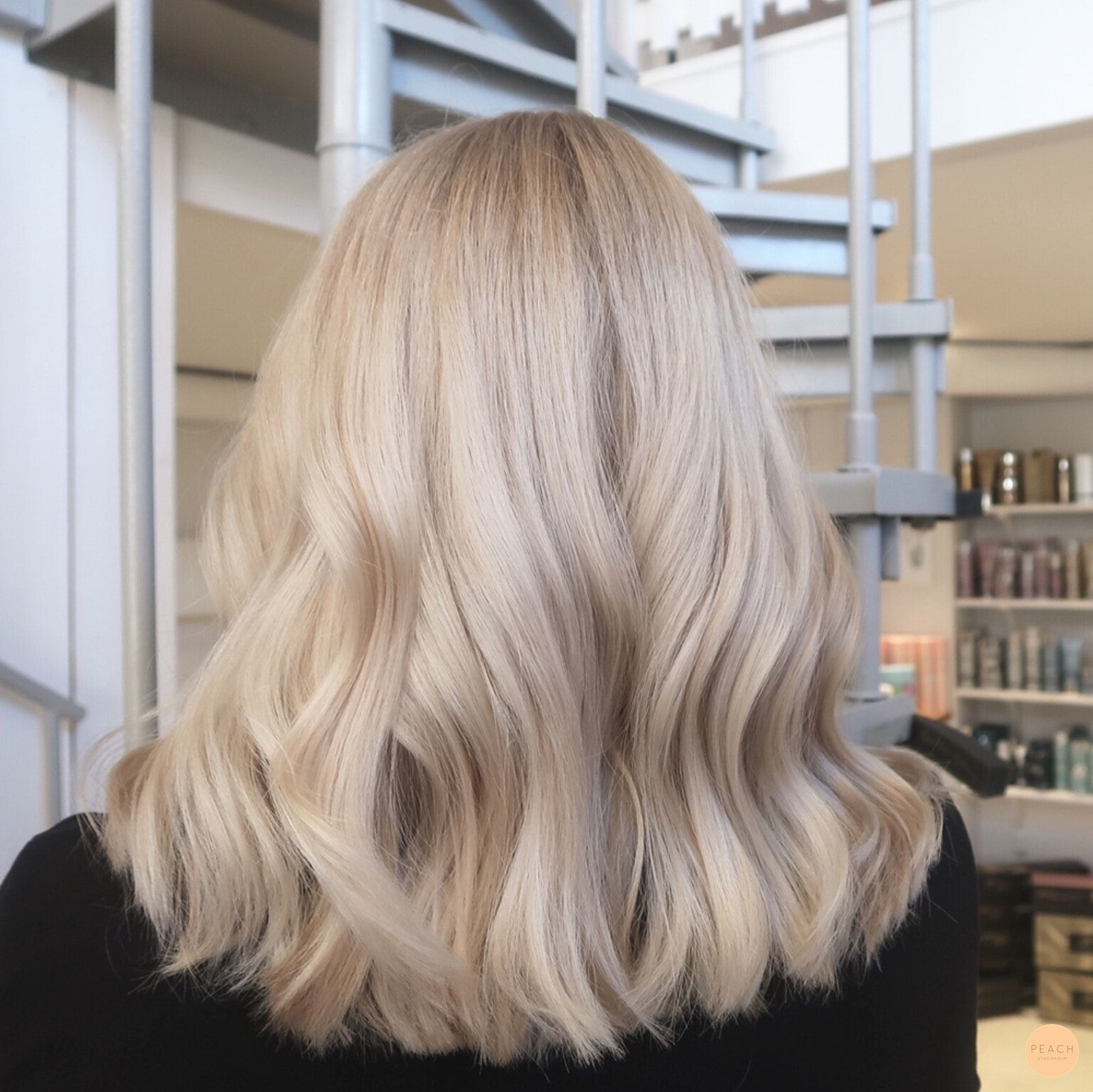 Makeover stockholm - Peach Stockholm #champagneblondehair
