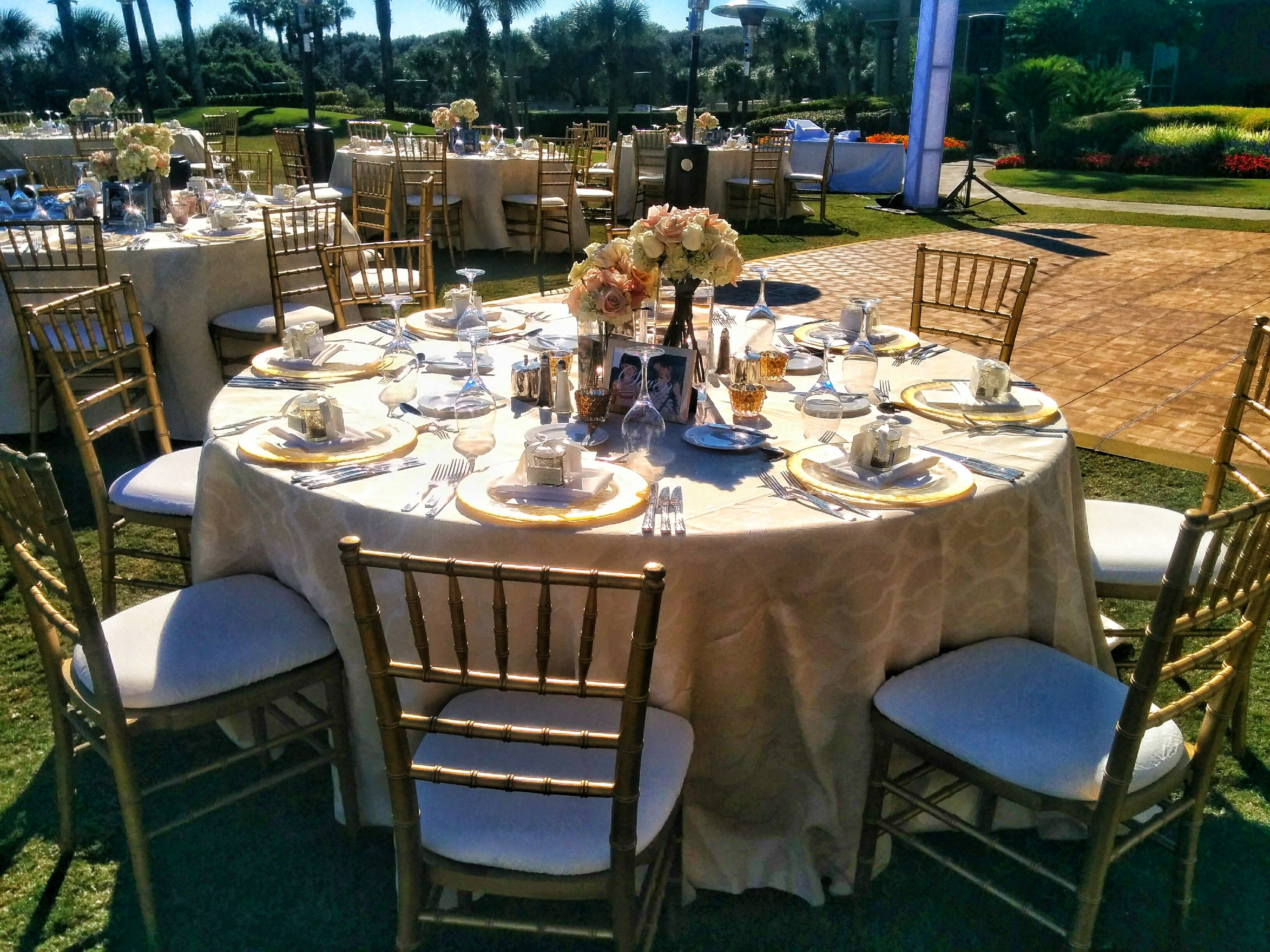 Ivory Linen, Gold Chiavari Chairs