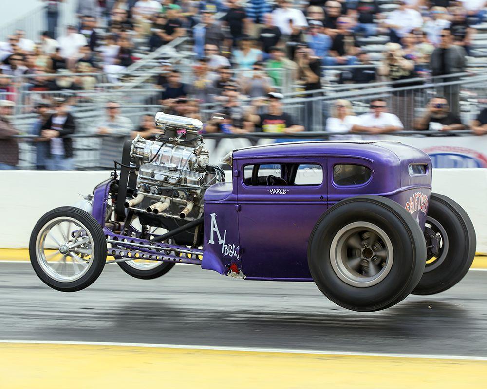 Wheelies, Burnouts, Big Blocks! Gas-tastic Mooneyes Drag Race Action ...