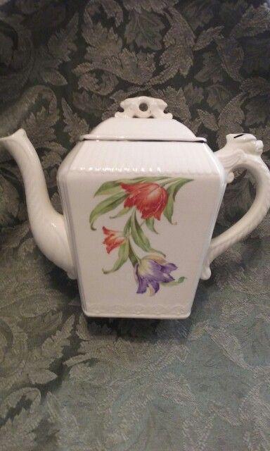 Vintage Harker pottery teapot