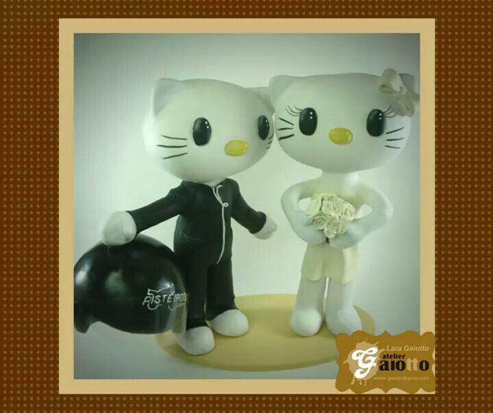 Topo de bolo noivinhos personalizados, personagens Hello Kitty e Dear Daniel confeccionado e estilizado em biscuit/porcelana fria. www.facebook.com/gaiotto.atelier http://agaiotto.blogspot.com/ atelier.gaiotto@gmail.com F: (19) 3012-3588