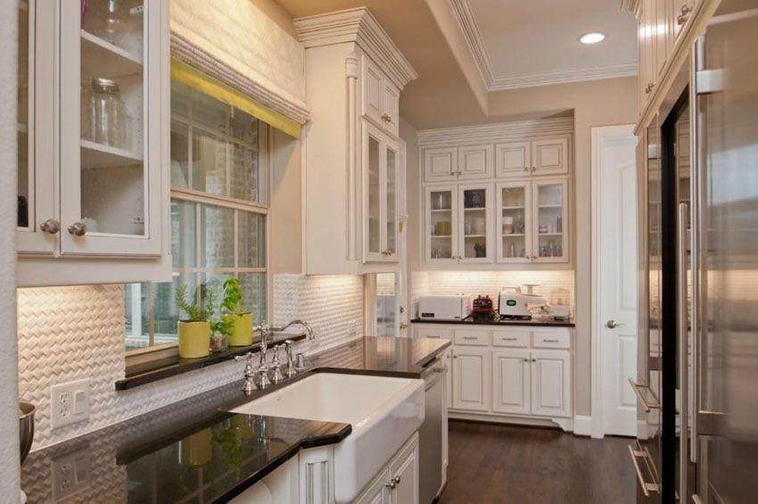 Best 25 Stylish Galley Kitchen Designs White Farmhouse 400 x 300