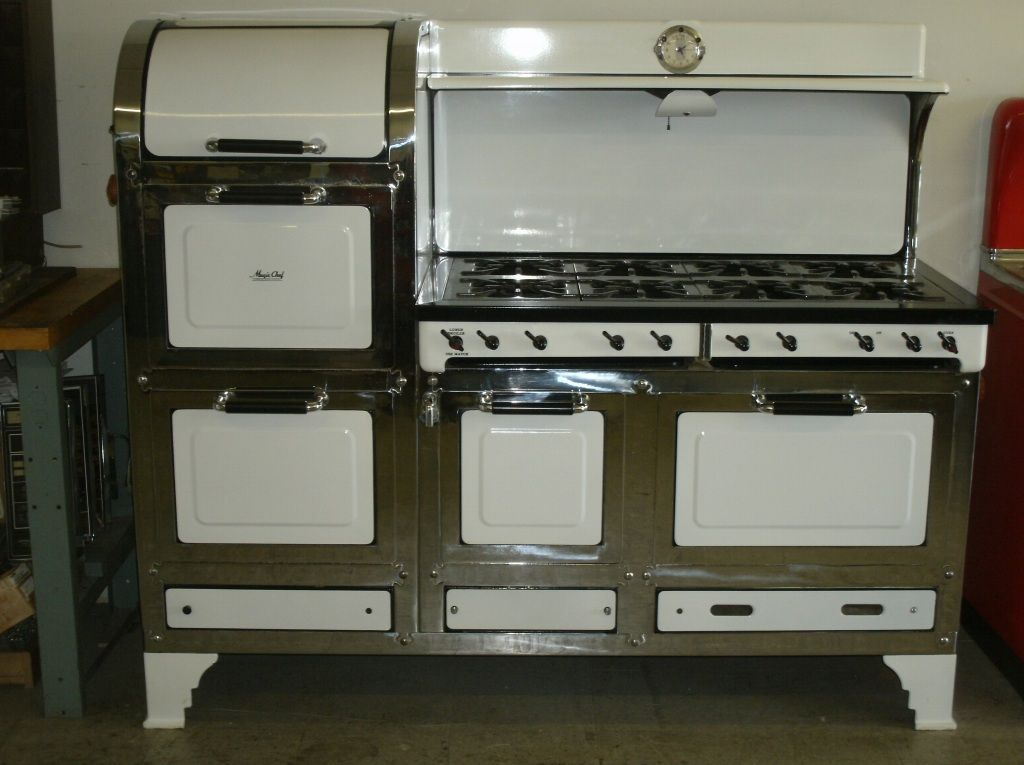 It Is A To For Stove 8 Burners Multiple Ovens And That Sweet Bread Warming Cubby At The Top