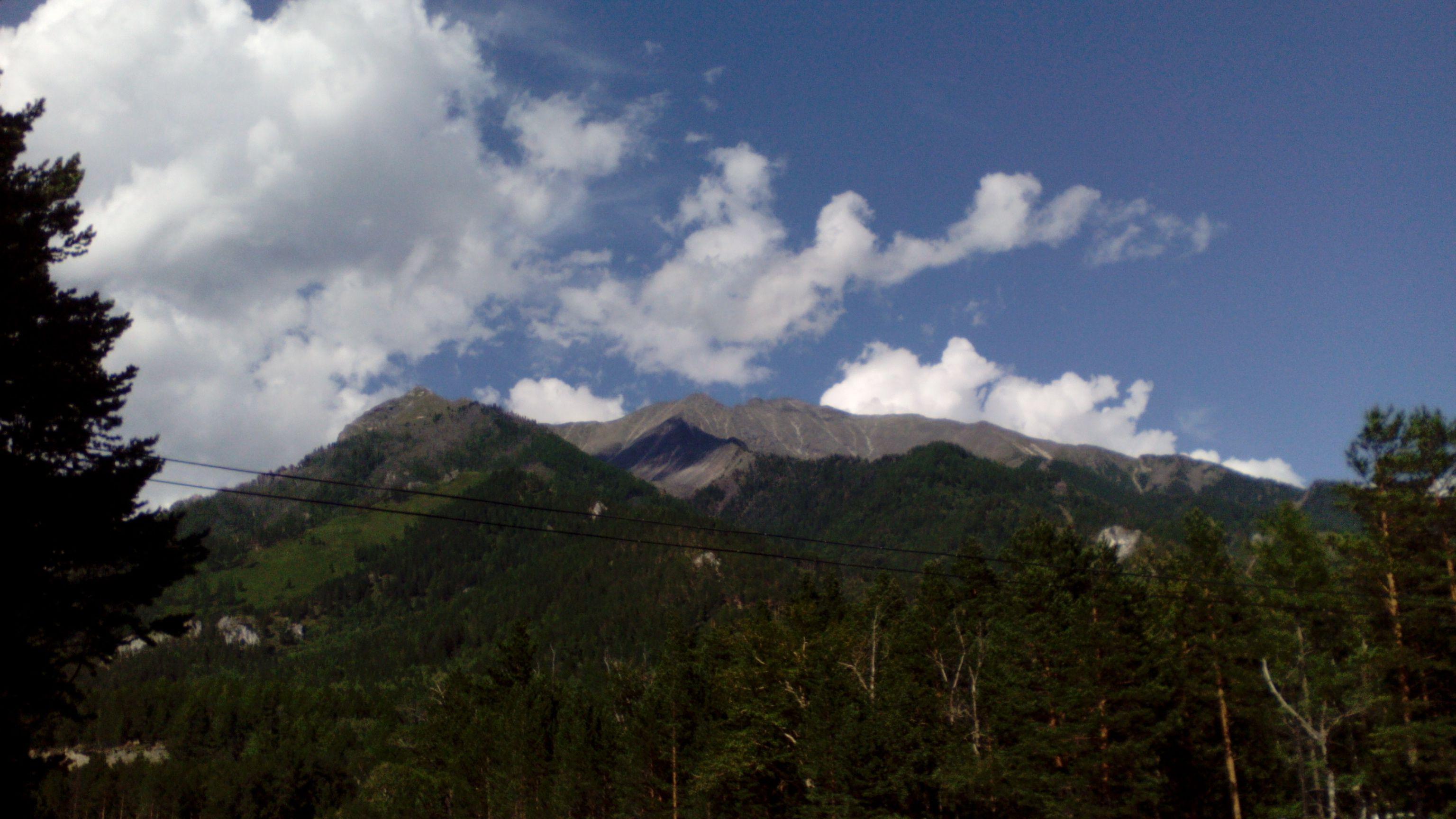 Вид на горы в Аршане. Фото из архива блога shveda.ru