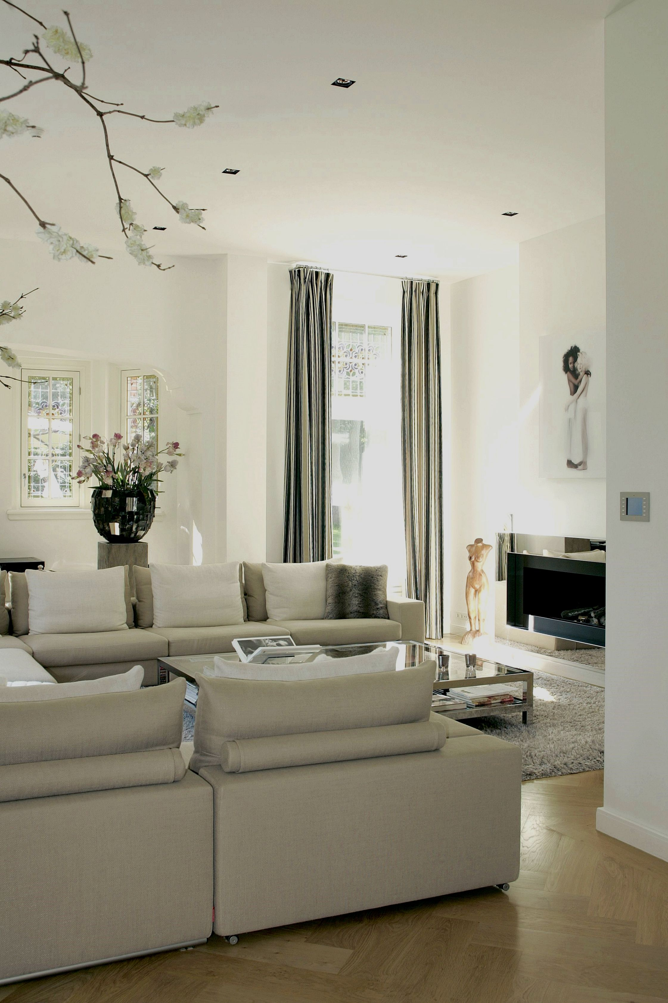 Easy and fun living room designs - Are you redesigning ... on Fun Living Room Ideas  id=37260