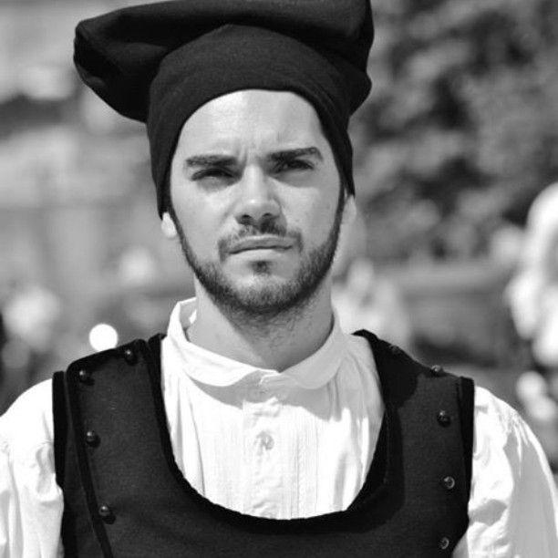 #uri #Sardegna #sardinia #costumesardo #tradizionipopolari #tradition #costume #blackandwhite #igersardegna #lanuovasardegna #unionesarda #loves_Sardegna #People #guy #vivo_Italia #vivo_sardegna