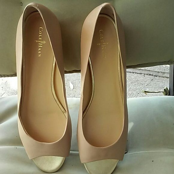 Cole Haan nike air cream flats Worn twice Cole Haan Shoes Flats & Loafers