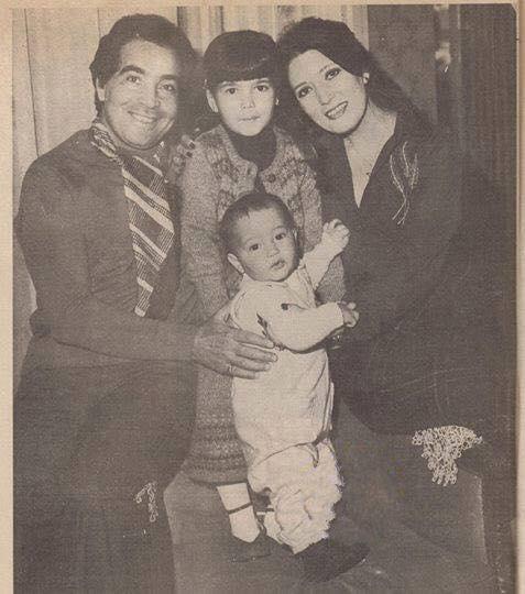 شمس البارودي وحسن يوسف فى صورة عائلية Egypt History Egyptian Actress Arab Celebrities