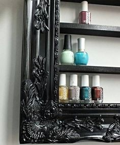 Old Picture Frames Can Be Reused In Lot Many Ways Than To Just Display Pictures In It You Will Be Amazed By The Numb Old Picture Frames Diy Furniture Home Diy