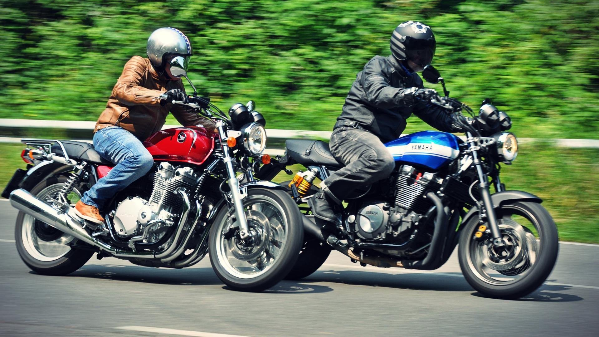 Confronto: Honda CB1100 EX vs Yamaha XJR 1300 2015