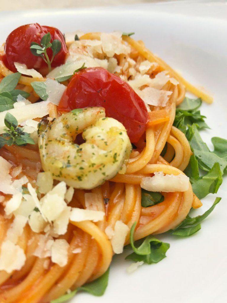 Sommerliche Pasta mit Rucola