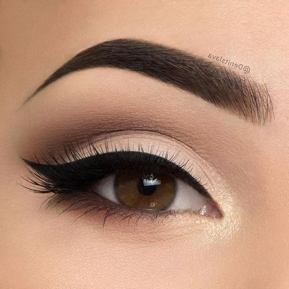 52 best make ups for gorgeous and fashionable brown eyes for #brown #fashionable #gorgeous in 2020 | Eye makeup designs, Simple eye makeup, Eye makeup